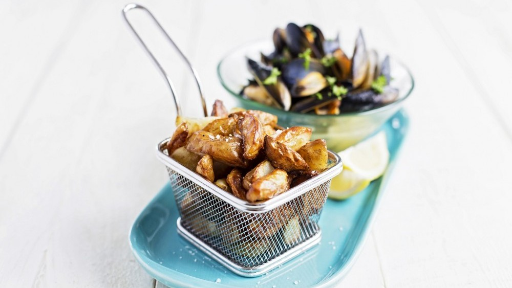 Mussels and New potato wedges