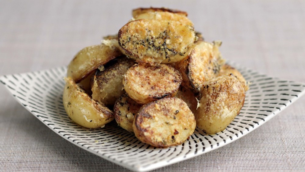 Crispy parmesan and garlic New potatoes