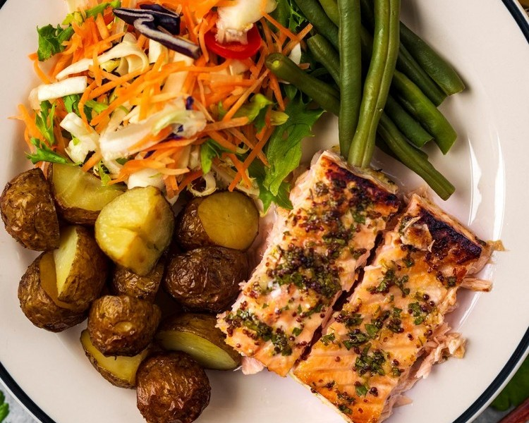 Hungry Healthy Happy's honey and mustard salmon with Ayrshire New potatoes