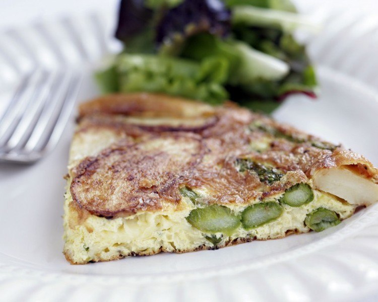 Potato and asparagus omelette